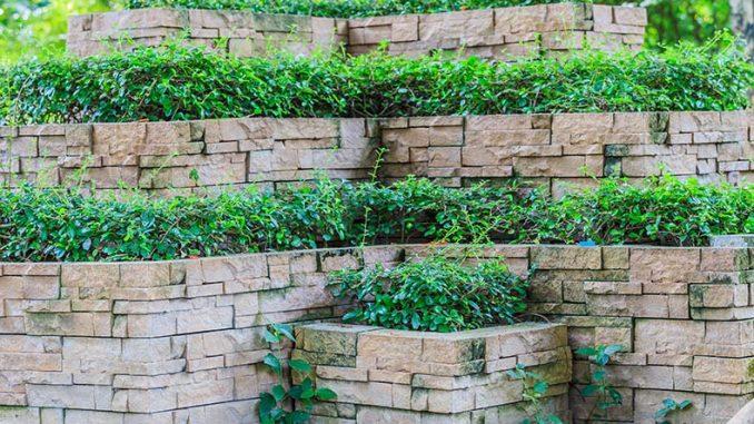 Muro di contenimento: cos'è, a cosa serve e come realizzarlo